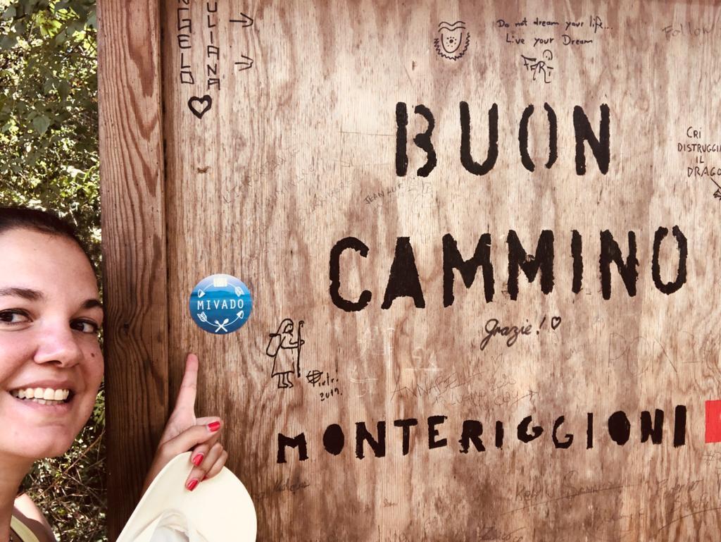 Monteriggioni, cartello lungo il cammino